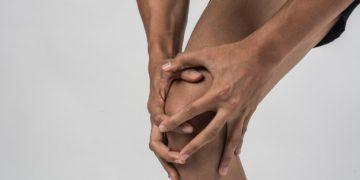 Boczne przyparcie rzepki – co to jest i jak wygląda leczenie?